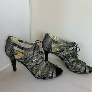 Anne Klein Lace Up Heels - 10 M